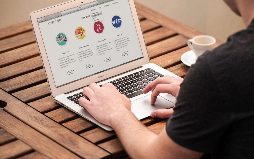 Egy virtuális asszisztens a weboldal karbantartásában, kezelésében is segíthet.