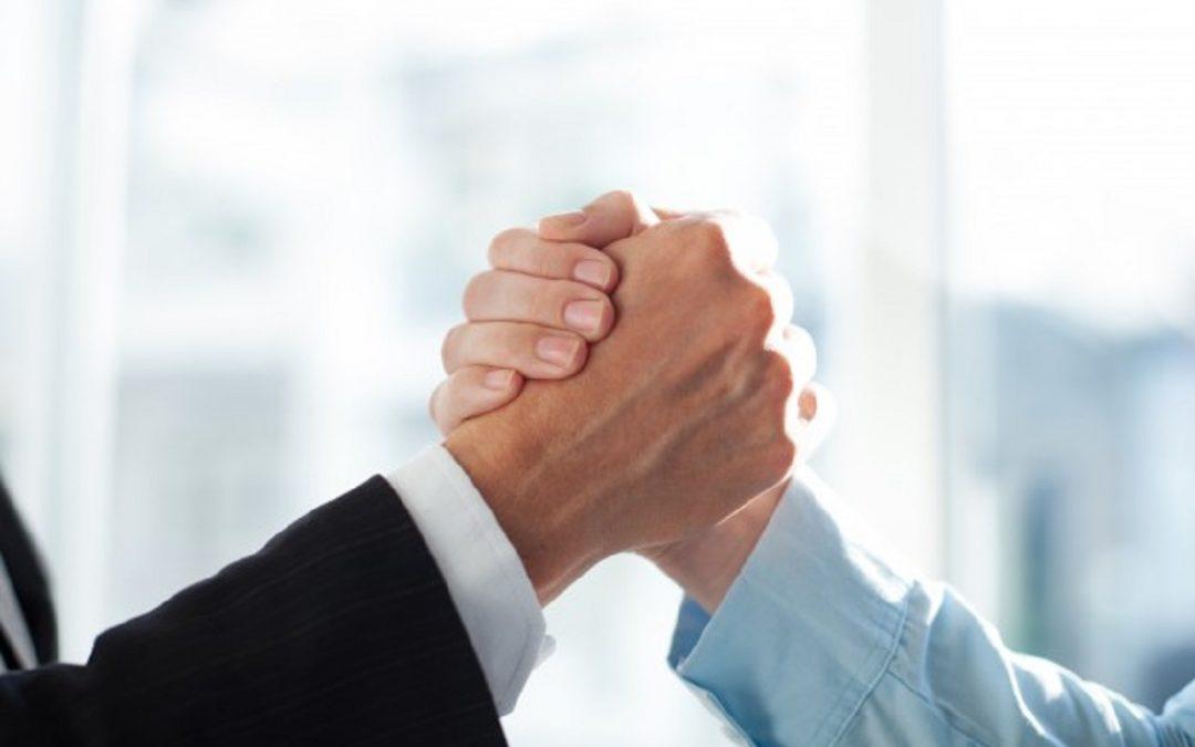 Kik dolgoznak együtt virtuális asszisztensekkel?